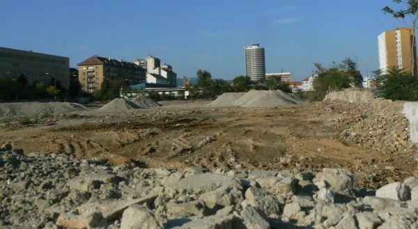Bratislava Račianska ulica priestor po zbúraní hál Danubius Elektrik predtým BEZ a predtým Siemens – Schuckert