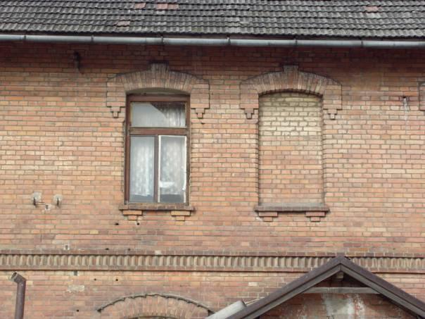 Pezinok Dolná tehelňa pavlačový dom pre robotníkov